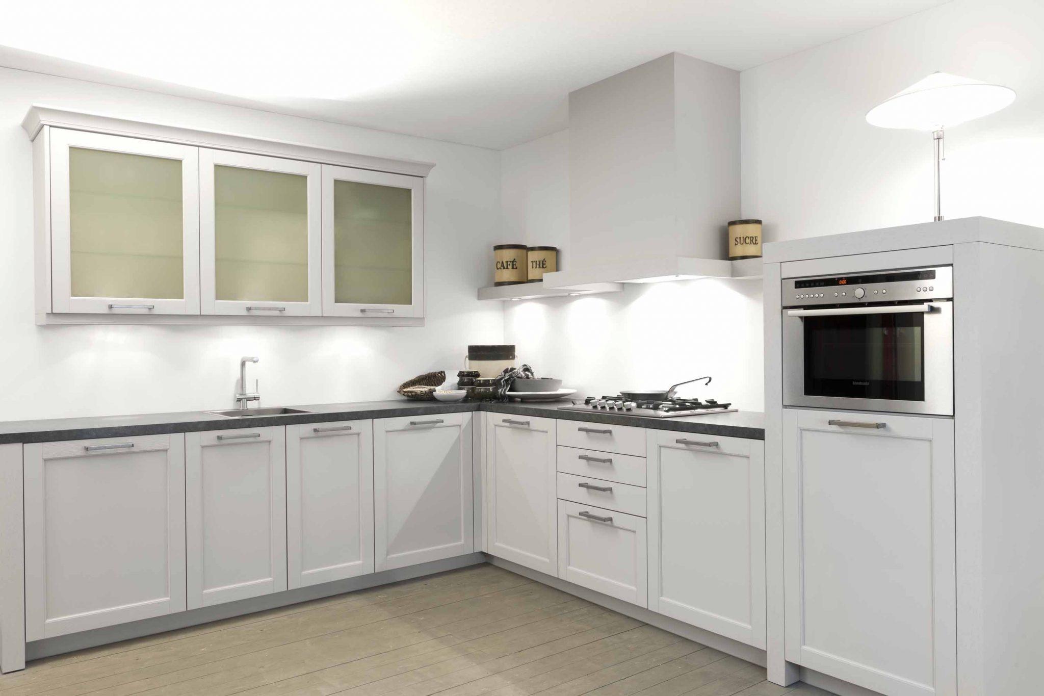 Massief Houten Keuken : Hoekkeuken massief hout bkb keukens